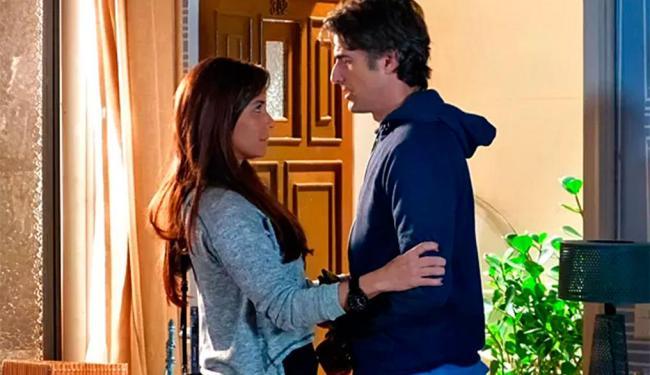 Clara encoraja o marido antes de irem ao hospital - Foto: Reprodução   TV Globo