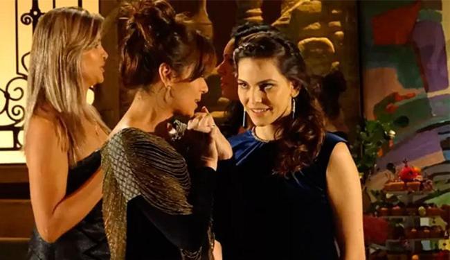 As duas dançam coladinhas no aniversário de Giselle - Foto: TV Globo   Reprodução