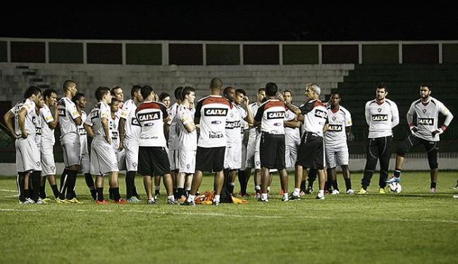 Jogadores do Vitória em treino no Joia da Princesa - Foto: Luiz Tito   Ag. A TARDE