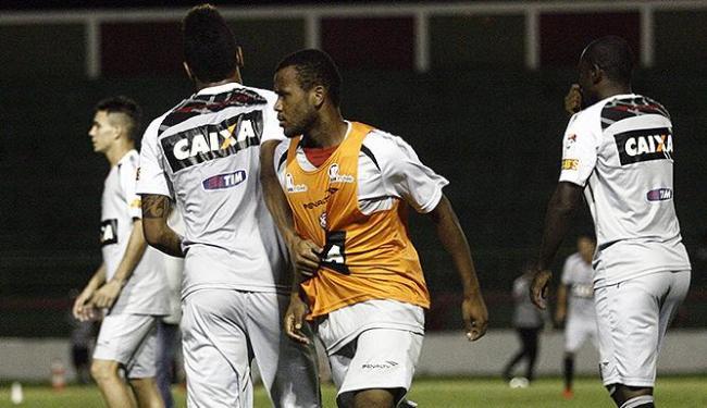 Jogadores do Vitória conhecem bem o campo: treinaram e jogaram lá - Foto: Luiz Tito | Ag. A TARDE