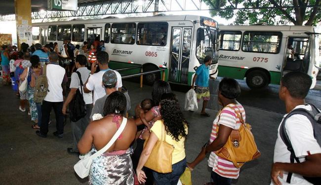 Estação Pirajá reúne passageiros da região mais populosa da cidade, Cajazeiras - Foto: Luciano da Matta | Ag. A TARDE