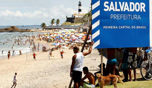 Prefeitura quer que a festa aconteça no Farol da Barra - Foto: Fernando Vivas | Ag. A TARDE