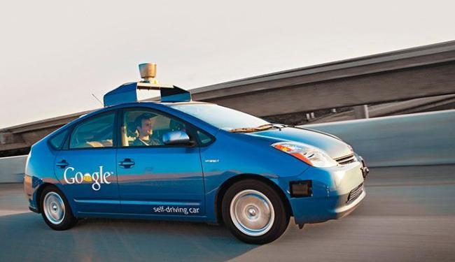 Carro não precisa de motorista para dirigir - Foto: Divulgação