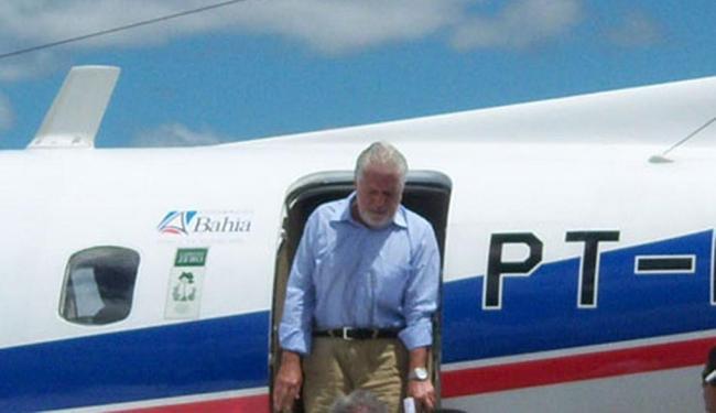Aeronave com Wagner desceu em Brumado, de onde governador seguiu para Tremedal - Foto: Lay Amorim   Brumado Notícias