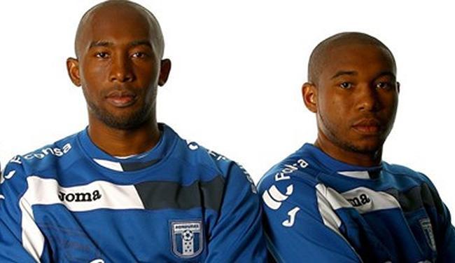 Jerry e Wilson Palacios se unem aos outros jogadores selecionados pelo técnico hondurenho - Foto: Getty Imageas