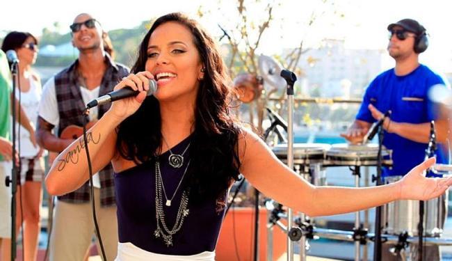 A cantora Ju Moraes durante a gravação do seu primeiro DVD - Foto: Reprodução | Site oficial