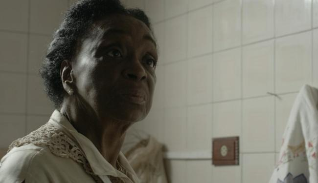 A atriz Lea Garcia no papel de Jerusa, em cena do curta-metragem - Foto: Divulgação