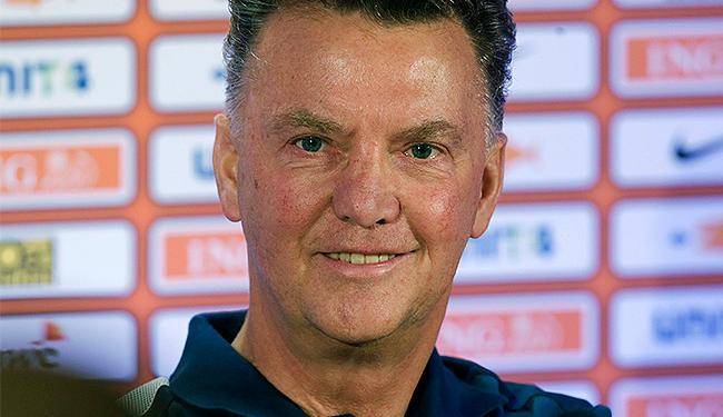 Lista do técnico tem apenas atletas que jogam no futebol holandês, que farão três dias de treinos - Foto: Ints Kalnins l Reuters
