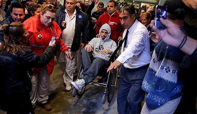 Suárez está se recuperando de uma operação no menisco do joelho esquerdo - Foto: Andres Stapff l Reuters