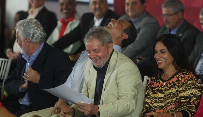 A linguagem irreverente de Lula arranca sorrisos de Rui Costa e da primeira-dama - Foto: Lúcio Távora | Ag. A TARDE