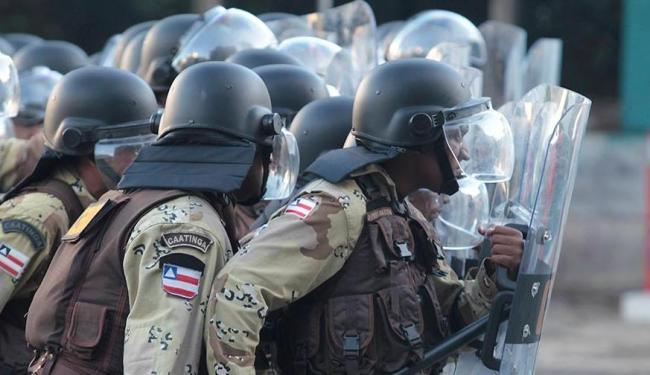 Na Copa das Confederações, policiais impediram que manifestantes chegassem à Arena Forte Nova - Foto: Eduardo Martins | Ag. A TARDE
