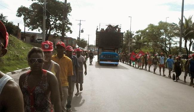 Integrantes do movimento seguem com destino ao CAB - Foto: Edilson Lima | Ag. A TARDE