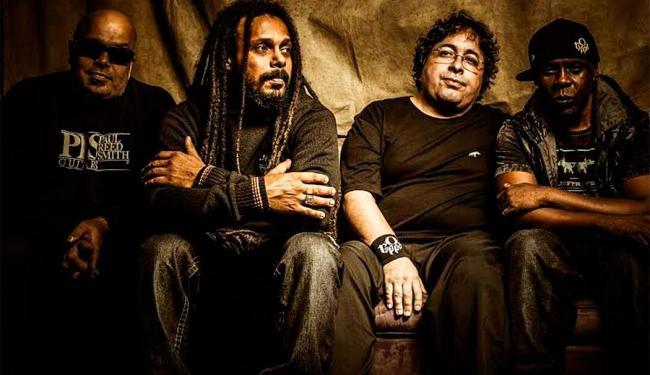 Cenário do show mescla a história da banda com críticas sociais - Foto: Divulgação