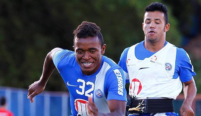 As boas atuações de Pará (D) renderam uma renovação contratual ao jogador - Foto: Eduardo Martins   Ag. A TARDE
