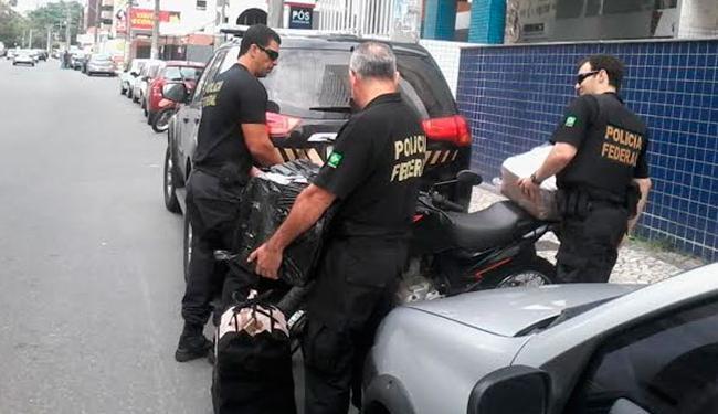 Durante a operação, foram cumpridos mandados de prisão e busca e apreensão, inclusive em Salvador - Foto: Paula Pitta | Ag. A TARDE
