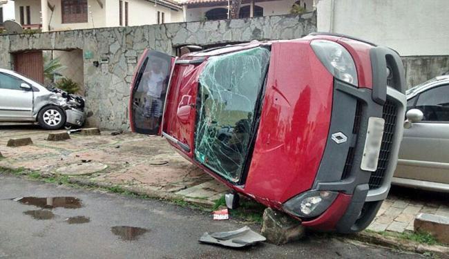 Carro capotou em Piatã quando motorista fugia de assalto - Foto: Cláudio Cassiano | Ag. A TARDE