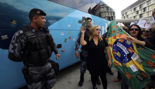 Manifestantes protestaram contra gastos públicos do governo - Foto: Ag. Reuters