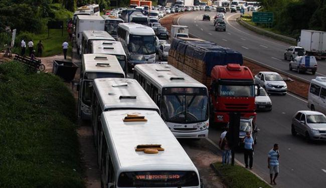 Rodoviários fizeram ato parecido na Estação Pirajá no início da campanha, em abril deste ano - Foto: Edilson Lima | Ag. A TARDE
