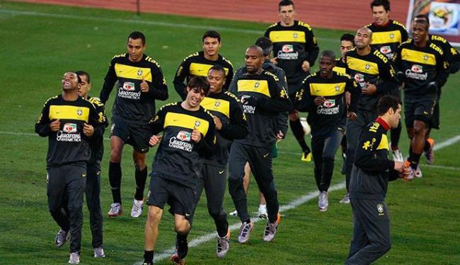 Julio Cesar, Daniel Alves, Maicon, Ramires e Thiago Silva jogaram no Mundial de 2010 - Foto: Eduardo Martins   Ag. A TARDE