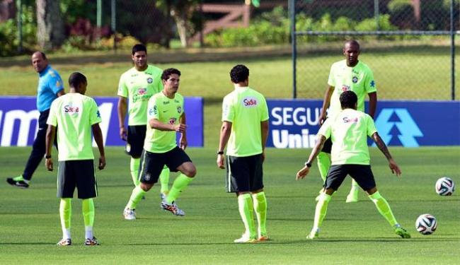 O time brasileiro se reuniu para terceiro dia de treino na Granja Comary - Foto: Gaspar Nóbrega   VIPCOMM