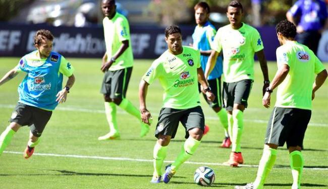 Os jogadores fizeram treinos com foco nos setores ofensivo e defensivo - Foto: Gaspar Nóbrega | VIPCOMM