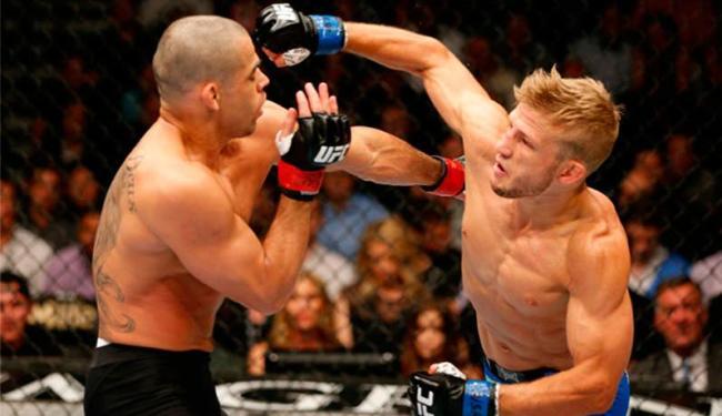 TJ Dillashaw era considerado zebra na luta - Foto: Divulgação   UFC