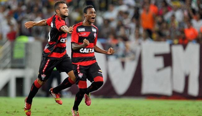 Mesmo com Maracanã lotado com 50 mil torcedores, Vitória bate o ex-líder por 2 a 1 - Foto: Fábio Castro | Agência Estado