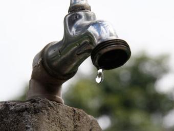Embasa solicitou aumento de 12,12%, mas Agersa não autorizou por conta da seca - Foto: Joa Souza | Ag. A TARDE
