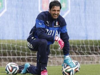 Buffon foi vetado pelo departamento médico e não estreia contra a seleção inglesa - Foto: Alessandro Garofalo   Ag. Reuters