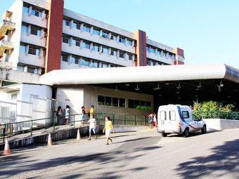Paciente está internado no HGE aguardando vaga no Couto Maia - Foto: Joá Souza/ Agência A TARDE