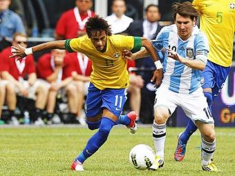 A Argentina venceu o Brasil no último duelo por 4 a 3, com três gols de Messi - Foto: Ag. Reuters