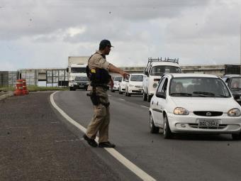 Houve um aumento de 29% na abordagem de veículos e de 24% na abordagem de pessoas - Foto: Gildo Lima | Ag. A TARDE