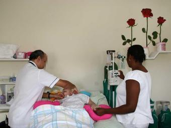 O módulo tem o objetivo de facilitar a prática cotidiana do profissional de enfermagem - Foto: Lunaé Parracho   Ag. A TARDE
