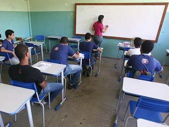 Brasil: 738 municípios apresentam atraso escolar superior a 50% no ensino médio - Foto: Raul Spinassé | Ag. A TARDE