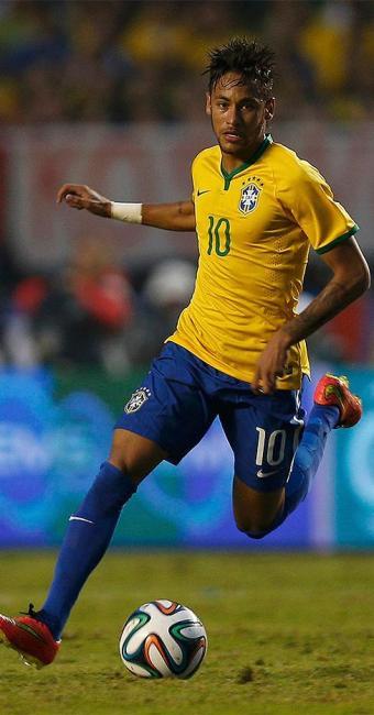 Neymar não teve vida fácil durante a vitória do Brasil sobre a Sérvia - Foto: Paulo Whitaker l Reuters