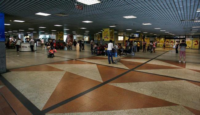 Sírios tentavam embarcar para Madri - Foto: Fernando Amorim   Ag. A TARDE