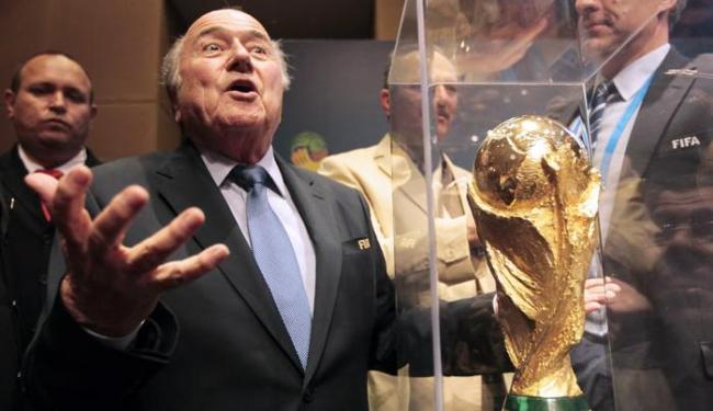 Blatter desmente que premiações oferecidas por ele é para candidatura à reeleição - Foto: Ag. Reuters