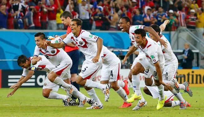 Jogadores da Costa Rica celebram a vitória contra a Grécia - Foto: Agência Reuters