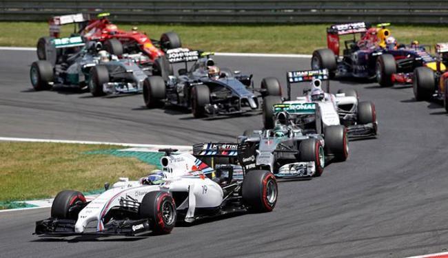 Felipe Massa largou bem, mas começou a perder posições após parar nos boxes - Foto: David W Cerny | Agência Reuters