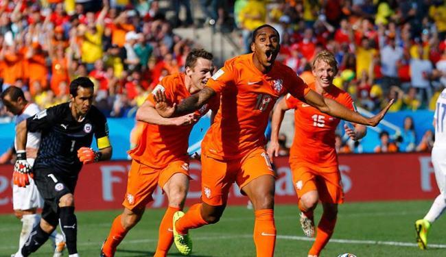 Fer foi o autor do primeiro gol da Holanda contra o Chile, na Arena Corinthians - Foto: Paul Whitaker | Agência Reuters