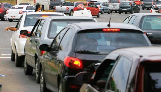 Proprietários de veículos de placa final 9 e 0 terão vantagem ao pagar cota única do IPVA - Foto: Joá Souza/ Ag. A TARDE