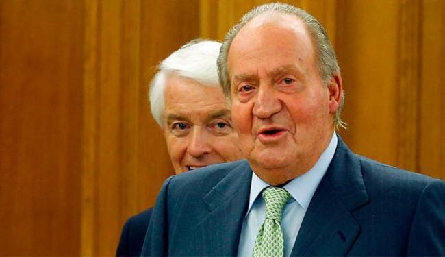 Rei Juan Carlos abdicou do trono para o filho, Felipe, assumir o trono - Foto: Agência Reuters