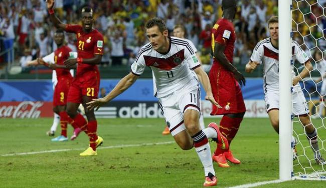 Em jogo complicado para os alemães, Klose entra no segundo e faz gol - Foto: Eddie Keogh | Ag. Reuters