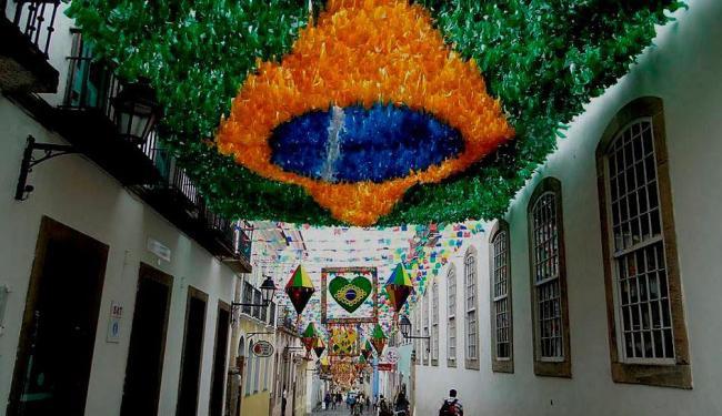 Rua do Pelourinho enfeitada para o mundial - Foto: Divulgação