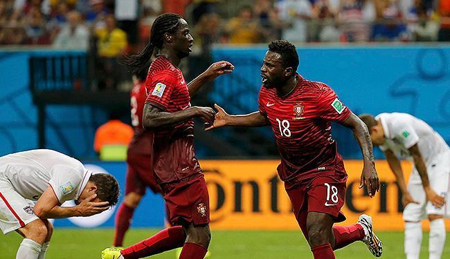 Gol nos acréscimos de Varela (D) dá empate a Portugal e mantém esperança no Mundial - Foto: Jorge Silva l Reuters