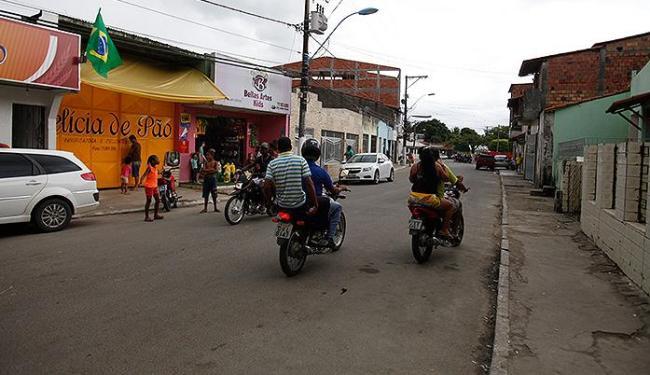 O tiroteio ocorreu na Rua Santa Rita. Trio parou de tocar na metade do circuito - Foto: Edilson Lima | Ag. A TARDE