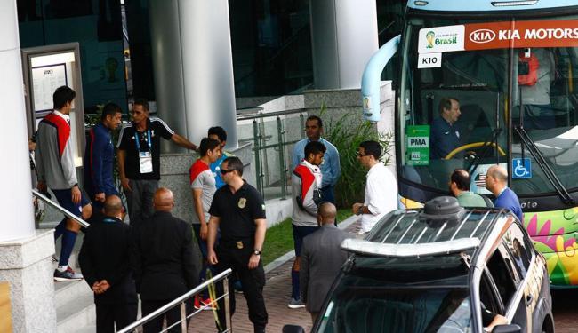 Seleção norte-americana saiu do hotel em direção ao estádio de Pituaçu - Foto: Margarida Neide | Ag. A TARDE