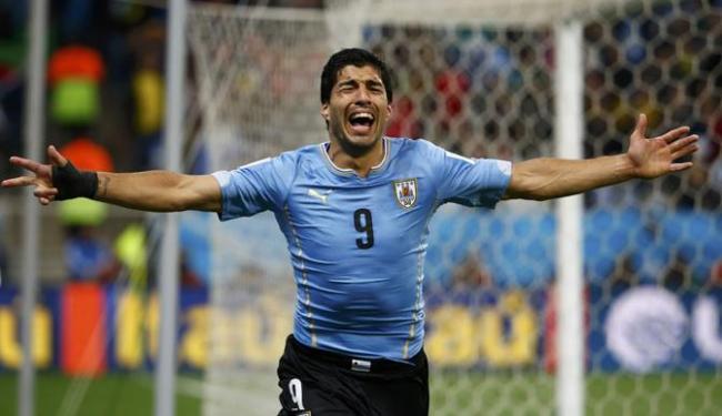 Mesmo não estando 100% fisicamente, Suárez foi decisivo na vitória contra a Inglaterra no Itaquerão - Foto: Tony Gentile   Ag. Reuters