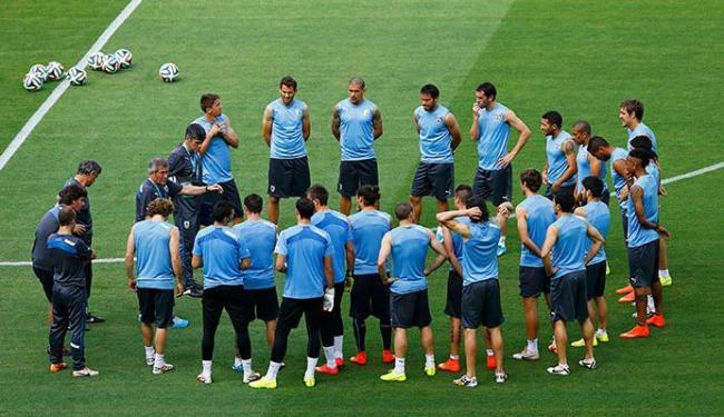 Uruguai treinou nesta sexta-feira, 13, de olho na estreia contra a Costa Rica - Foto: Marcelo Del Pozo   Agência Reuters
