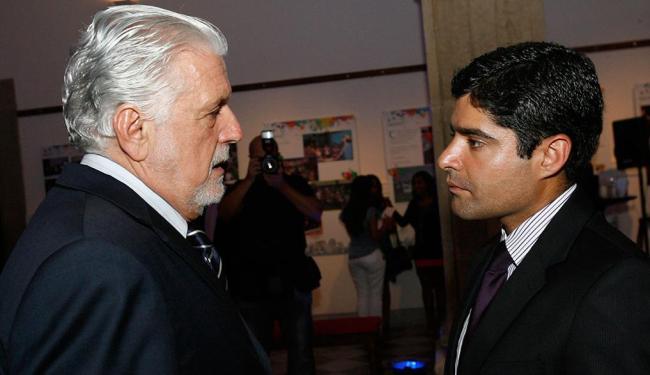 Neto nega intenção de privatizar a Embasa; Wagner diz que prefeito retoma proposta privatizante - Foto: Margarida Neide | Ag. A TARDE | 08.04.2013